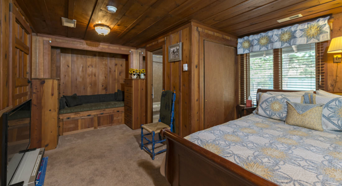 BB Style Vacation Rental near Manitou Springs Colorado at
