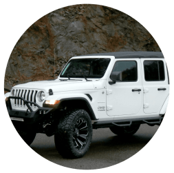 white platinum lifted jeep