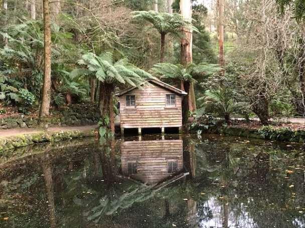 Alfred Nicholas Gardens Boathouse