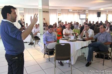 Carlos_Ferreirinha_em_palestra_na_Conveno_do_Class_Alonso_Bezerra_3