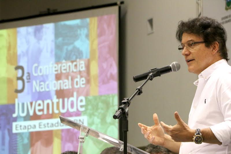 1_aa_GOVERNADOR_PARTICIPA_DE_SEMINRIO_QUE_DISCUTE_POLTICAS_PARA_A_JUVENTUDE