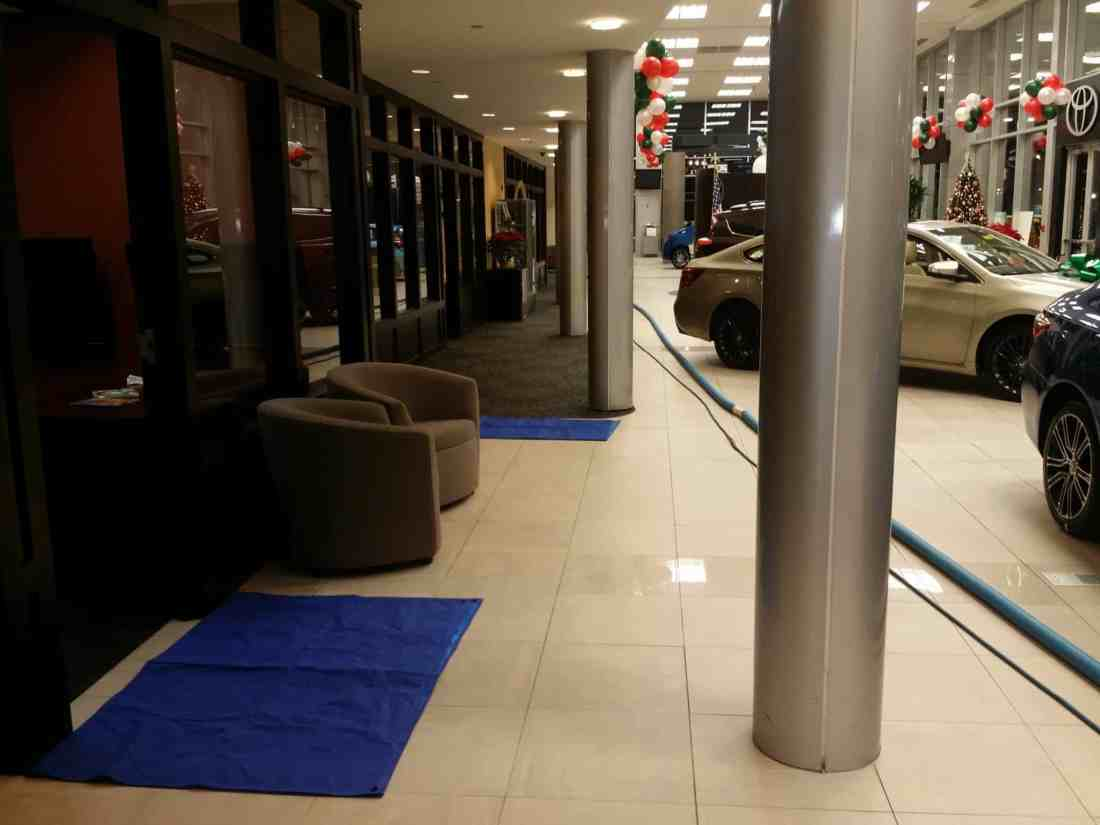 Office cubicles in Car dealership carpet cleaning