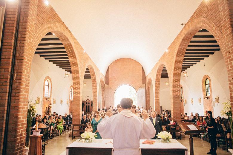 Casamiento en Iglesia San Luis Gonzaga en Jauregui