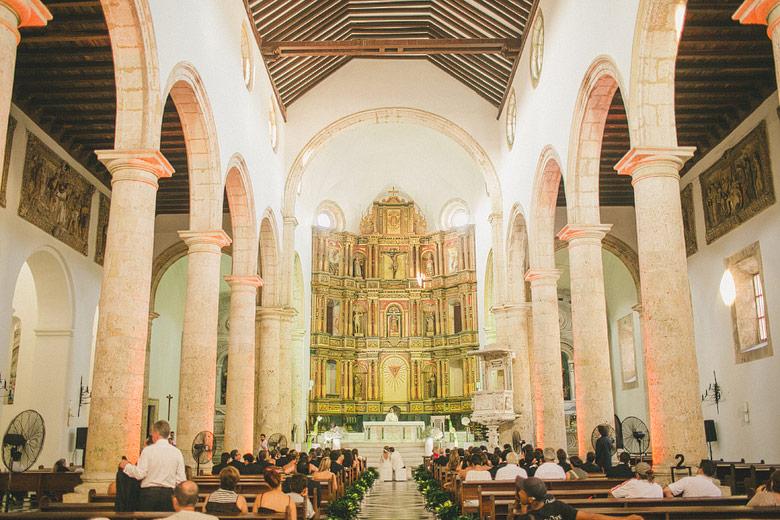 Matrimonio en la Catedral de Santa Catalina de Alejandria en Cartagena, Colombia