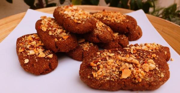 Kwarezimal – Lenten Almond Cakes
