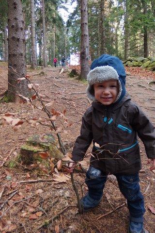 Kacper z drzewkiem