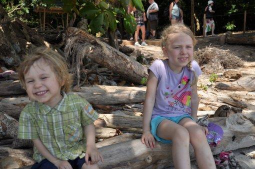 Dziecięcy odpoczynek w Parku Narodowym Manuel Antonio