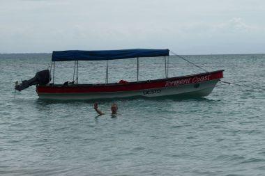 Ja tuż przy łodzi obok wyspy Zapatilla