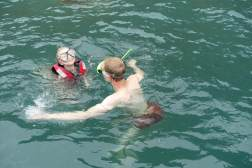 Pierwsze pływanie z Oliwką w oceanie