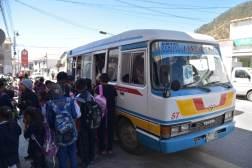Sucre - kolejka do autobusu