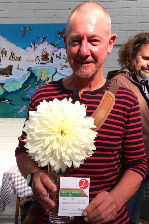 Vince's prize dahlia