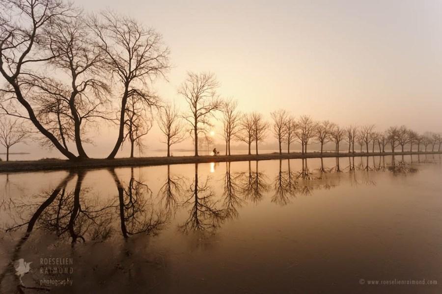 sunrise_water_mist