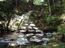 2009_floating_stones1