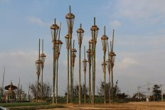Roger Rigorth, intoxicated by nature, 2018,Taoyuan Agriculture Expo Land Art Installation Residence Artist Program, Taoyuan, Taiwan, hight 7 meter each, Bamboo, Rice straw rope