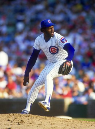 CHICAGO - 1987: Lee Smith of the Chicago Cubs pitches during an MLB game at Wrigley Field in Chicago, Illinois.  Smith pitched for the Cubs from 1980-1987.