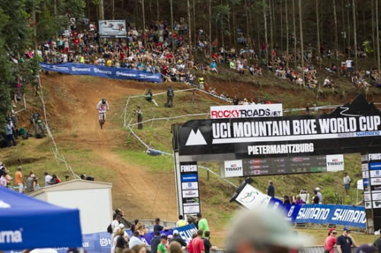 Rogue Mag Mountain Biking - Aaron Gwin dominates in Downhill to become a real threat in 2012!