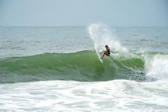 Rogue Mag Surf - Laura Enever Joins the Billabong Team