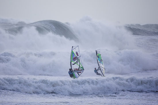 Rogue Mag - Red Bull Storm Chase 2013/2014 in Cornwall, UK