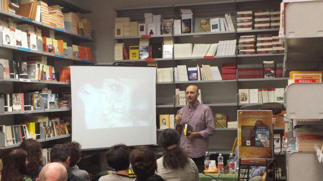 Ululando in libreria - Giuseppe Festa presenta il suo libro presso la libreria QuiEdit (Verona)