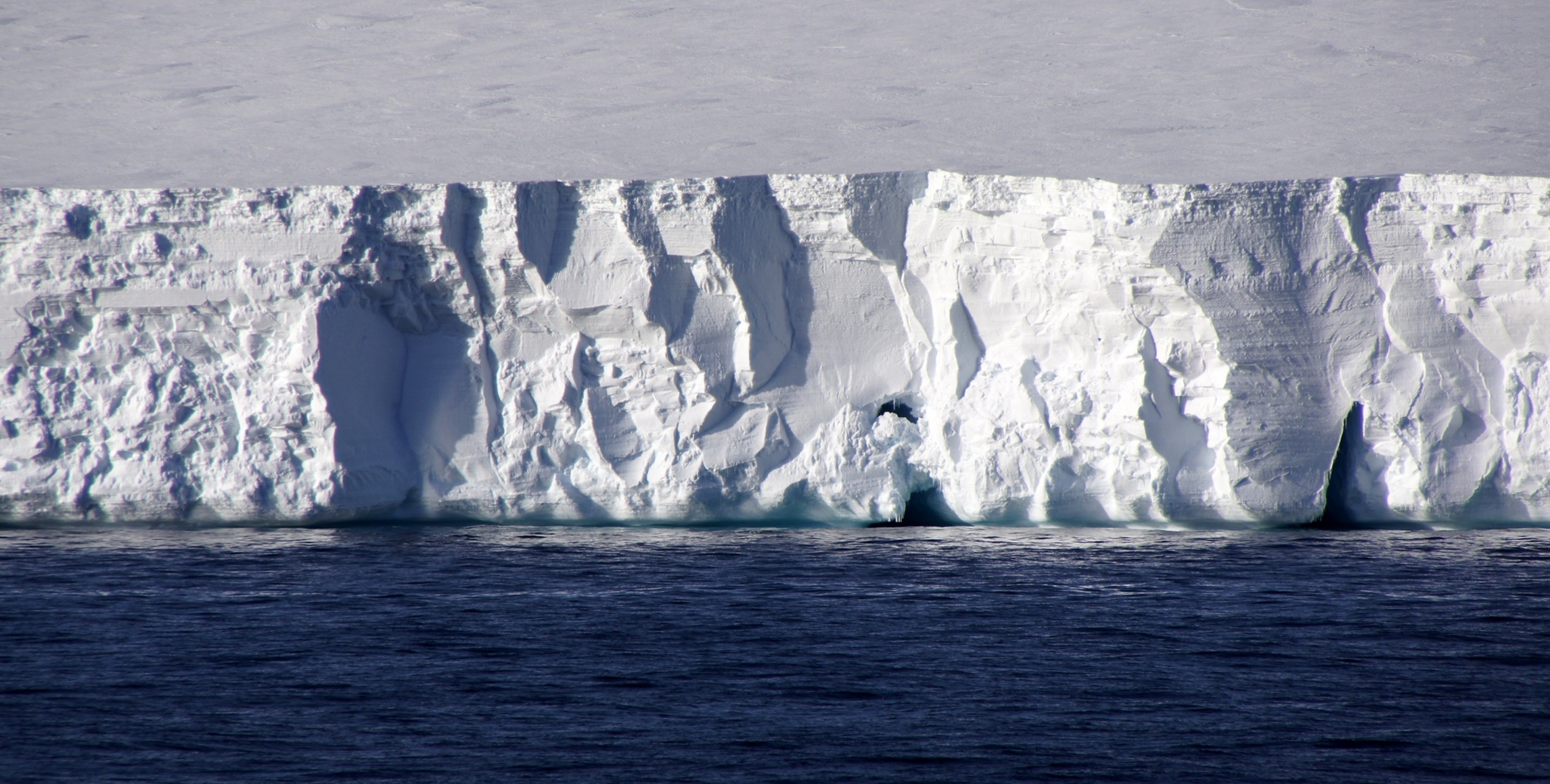 AntarcticaIcebarriers and Icebergs