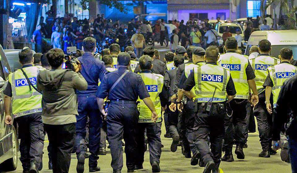 The Royal Malaysian Police (PDRM) attempting to control the mob that rampaged outside Low Yat Plaza on the 12th of July 2015