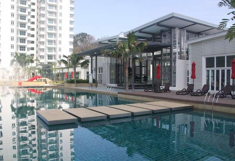 Saville Bangsar pool
