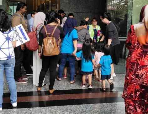 Evacuation at First Avenue 1 Utama
