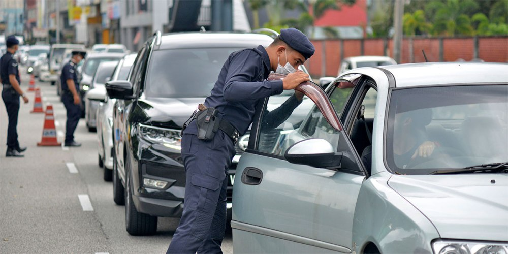 There Is NO Fine For Not Wearing Face Mask In Your Car!