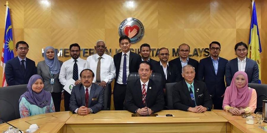 COVID-19 Malaysia : 10,0031 Cases, 9235 Healed, 128 Dead