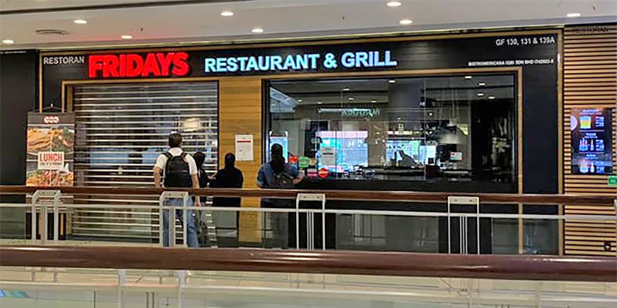TGI Fridays Queensbay : Closed After COVID-19 Exposure!
