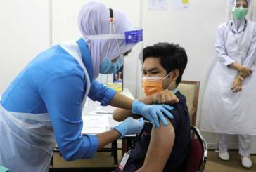 Malaysia To Give COVID-19 Booster Dose In October 2021!