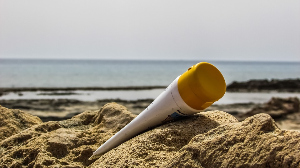 Vreme sunčanja dolazi: Istine i zablude o kremama za sunčanje