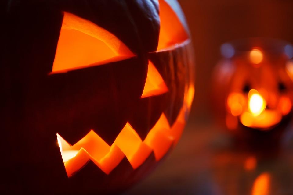 Prizovite duhove u svoj dom: Džek Fenjeraš na ananasu ili paprici (RECEPT) (VIDEO)