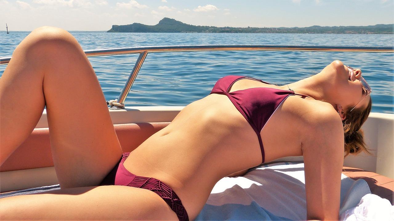 Sunčanje je stiglo: Pravila koja treba da znate kad ste na moru (reci, jezeru, u bazenu…)