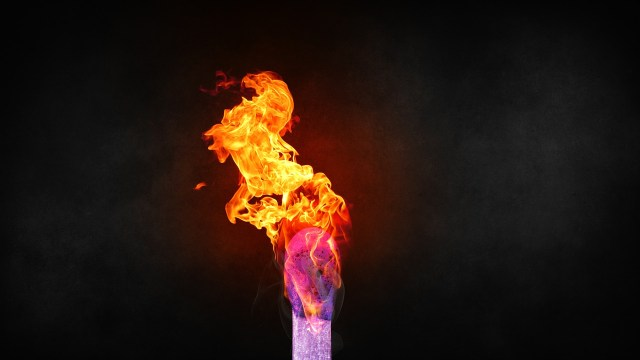 Varnice koje je svet dugo čekao: Zapali me, zar ne vidiš da gorim?! (VIDEO)