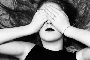 Prepoznajte emotivno zlostavljanje: Manipulacija, ekonomska zavisnost, vređanje i ponižavanje kao načini kontrole