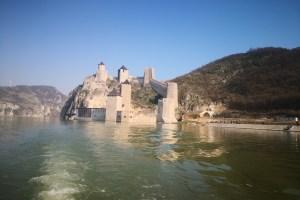 Povratak u srednji vek: Golubačka tvrđava otvorila vrata za posetioce (VIDEO)