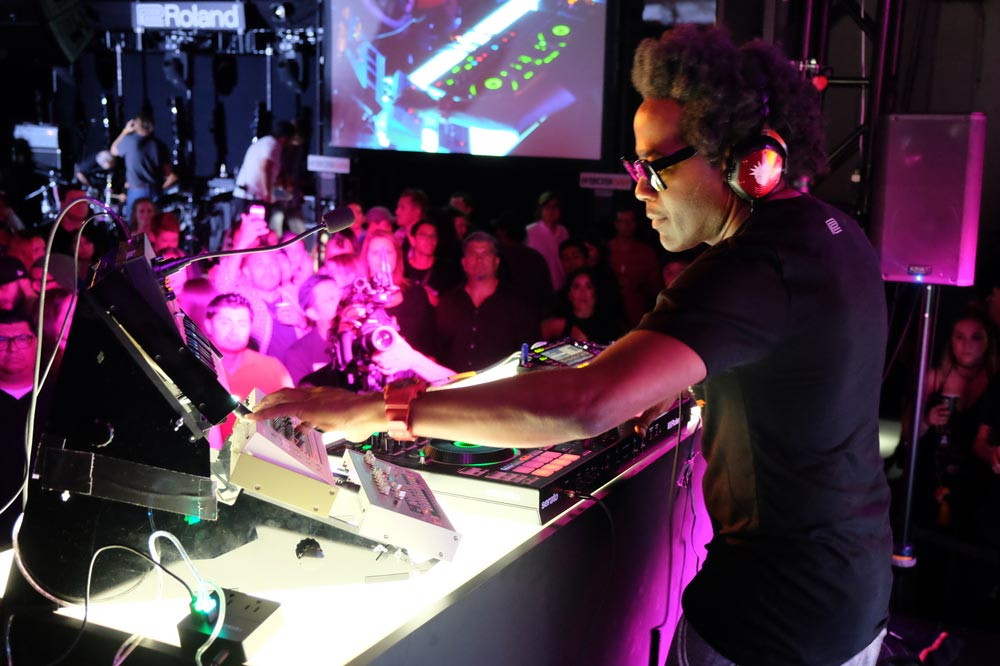 DJ Pierre performing with the new DJ-808 DJ Controller and the latest Roland Boutique modules (TR-09, TB-03, and VP-03) on #909day.