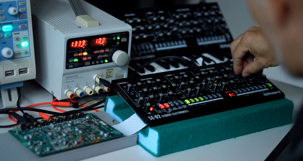 Roland SE-02 analog synth.