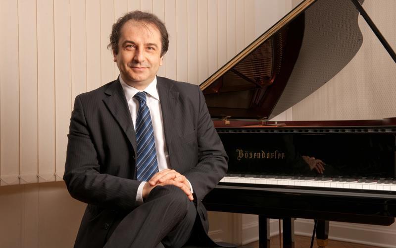 Carlo Grante (Source: carlogrante.com; © Carlo Grante)
