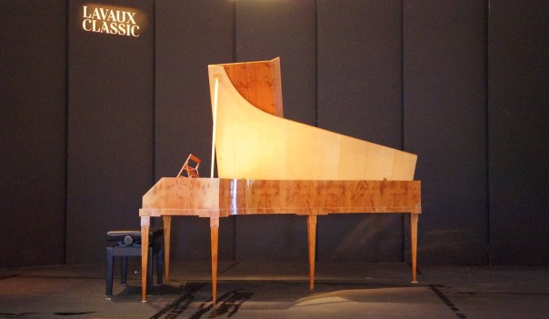 Fortepiano by Christoph Kern (Staufen i.Br.), after Anton Walter, 1695