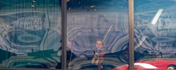 violin rehearsing, Pantheon Muttenz/Basel, 2019-05-05 (© Rolf Kyburz)