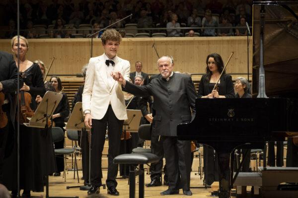 Orpheum-Concert, 2019-05-24: Szymon Nehring, David Zinman, Tonhalle Orchestra Zurich (© Thomas Entzeroth)