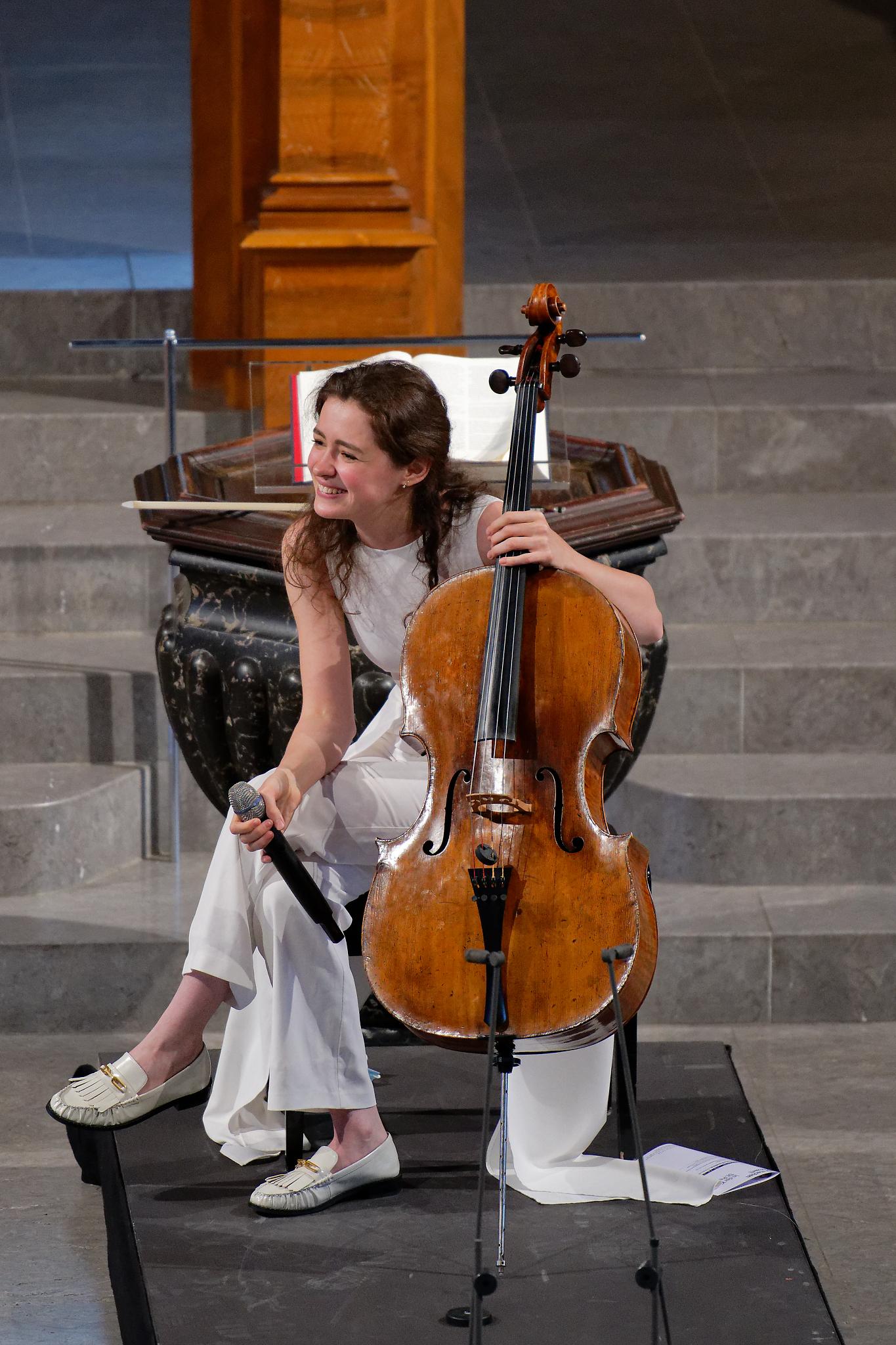 Anastasia Kobekina @ Kirche St.Peter, Zurich, 2021-04-25 (© Rolf Kyburz)
