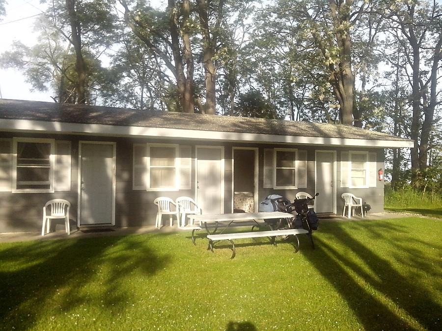 Crestwood Motel, Acme