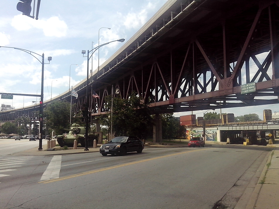 Ewing Ave, under Chicago Skyway