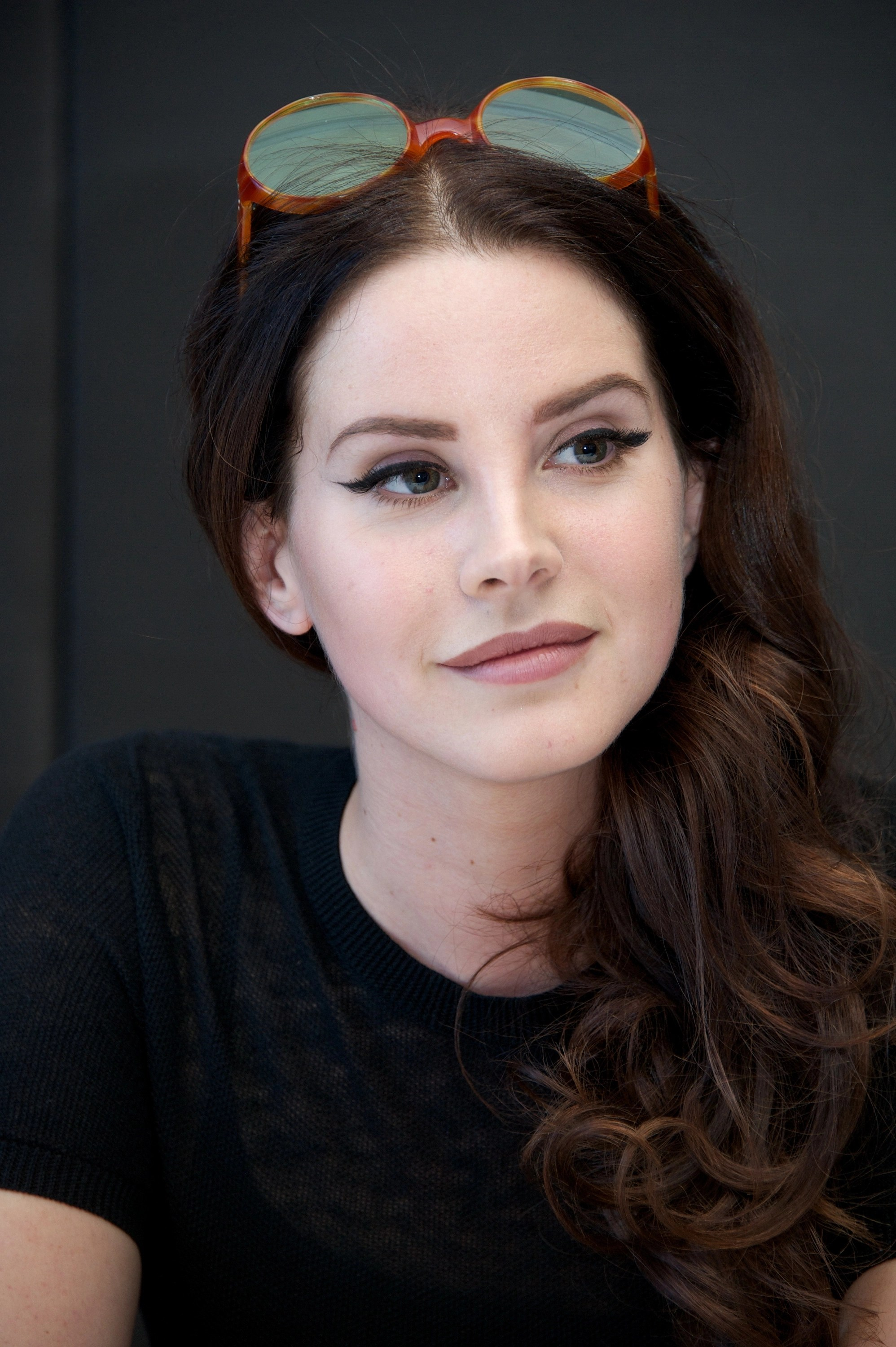 Lana Del Rey Clarifies Anti Feminist Comments To James