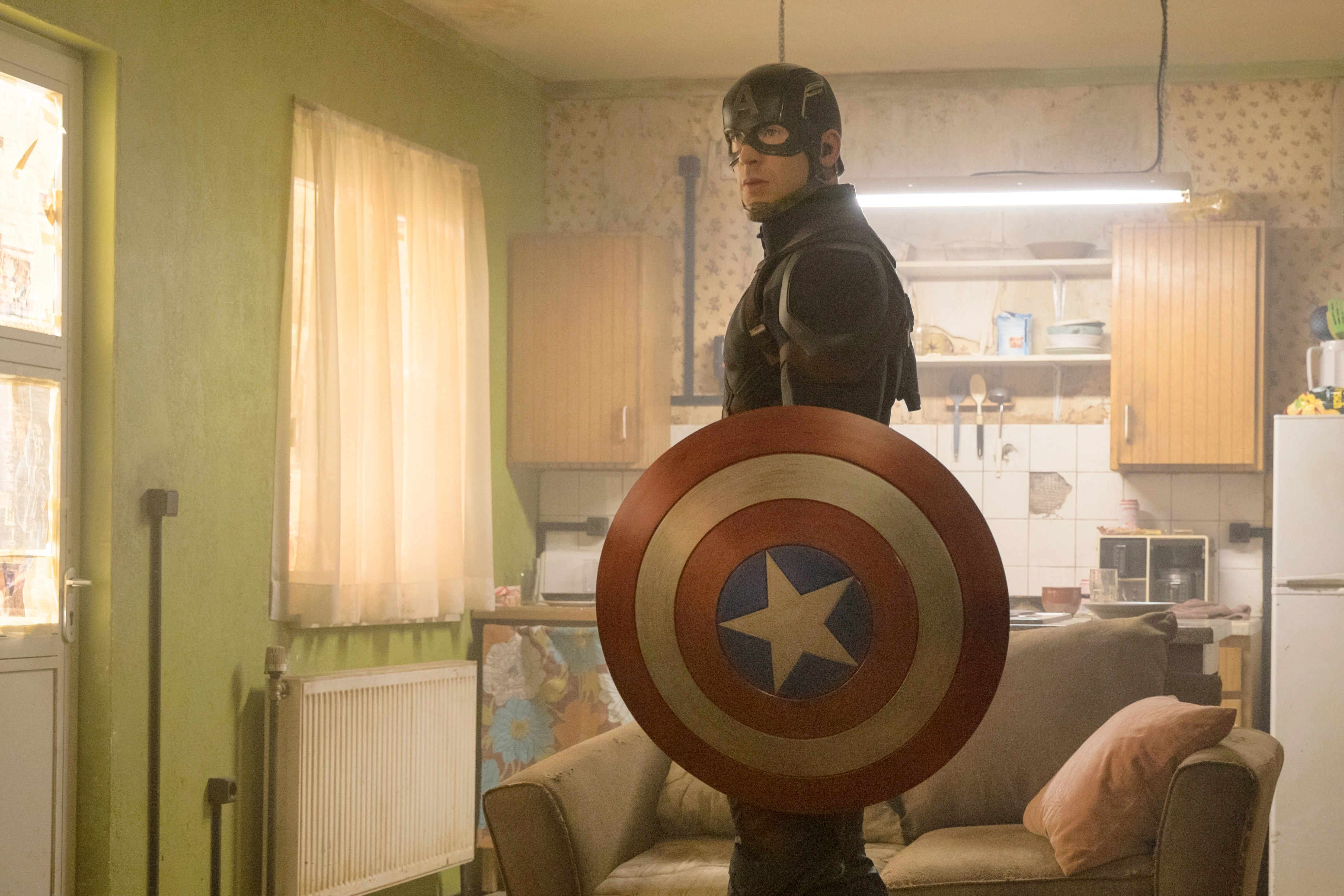 jarvis chair oz design church chairs for sale used captain america civil war a who s in the mcu guide rolling