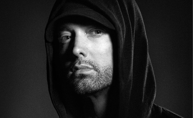 Review Eminem Lashes Out At The Rap Game On Kamikaze