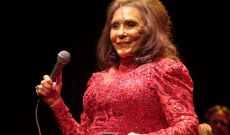 Loretta Lynn Sends Message to Fans After Brief Hospitalization
